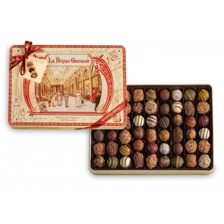 Metalen Doos met Chocolade Truffels, Collectie Konninginnengalerie